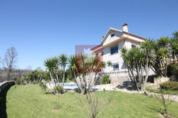 SE VENDE O ALQUILA CHALET EN AS NEVES